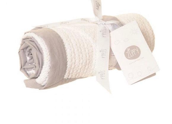 Ziggle white and grey blanket