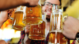 3 destinos para festejar el Día de la Cerveza