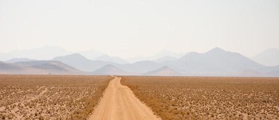 Road to N/a'an ku sê