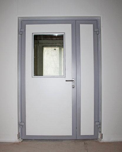 Дверь противопожарная алюминиевая со стеклом