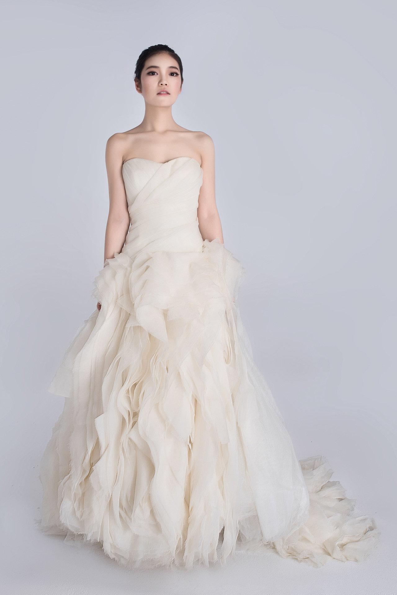 Delightful Lz Bridal Designer Wedding Dress Rental | Vera Wang Diana Luxury .