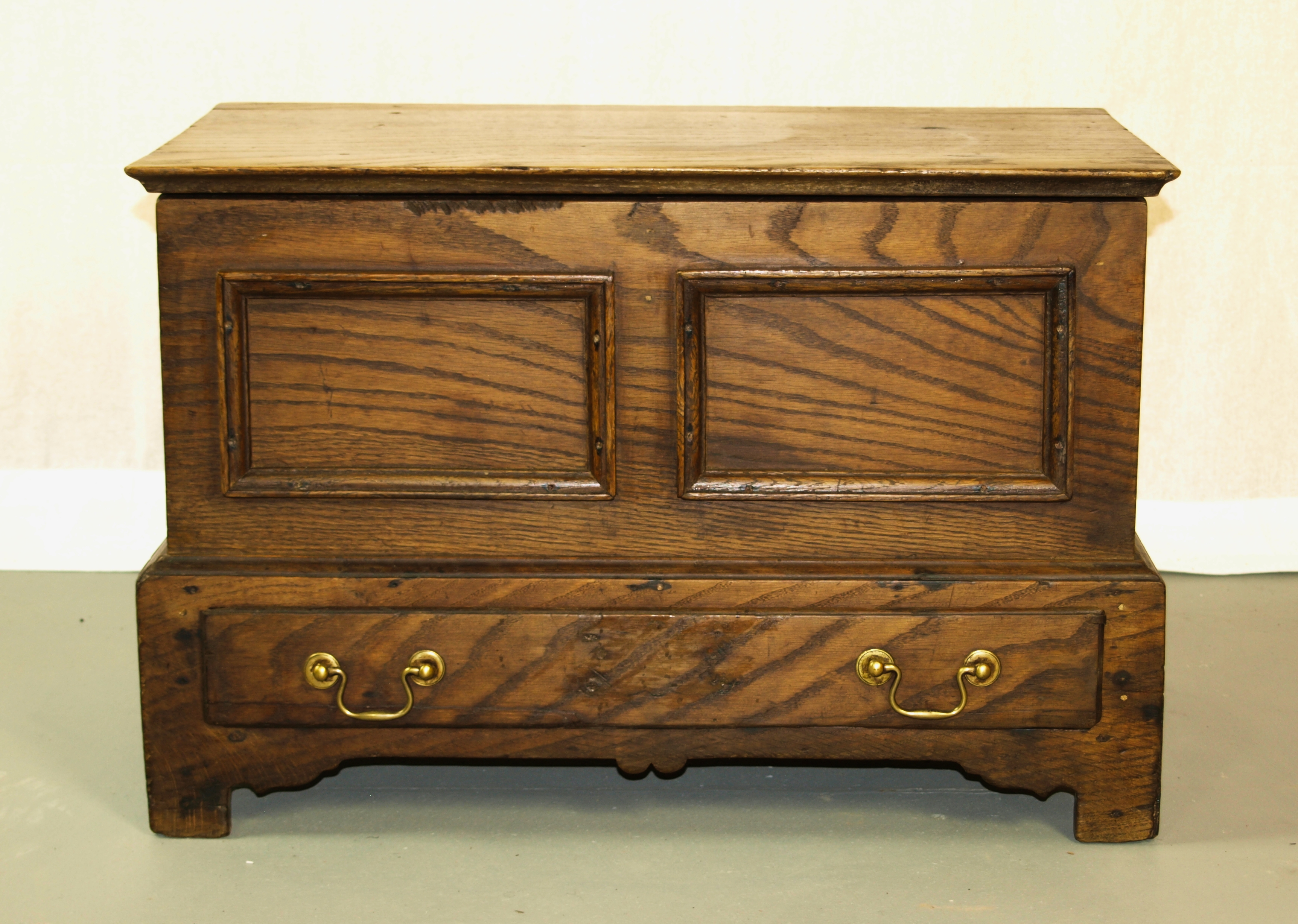 Oak Coffer Bach