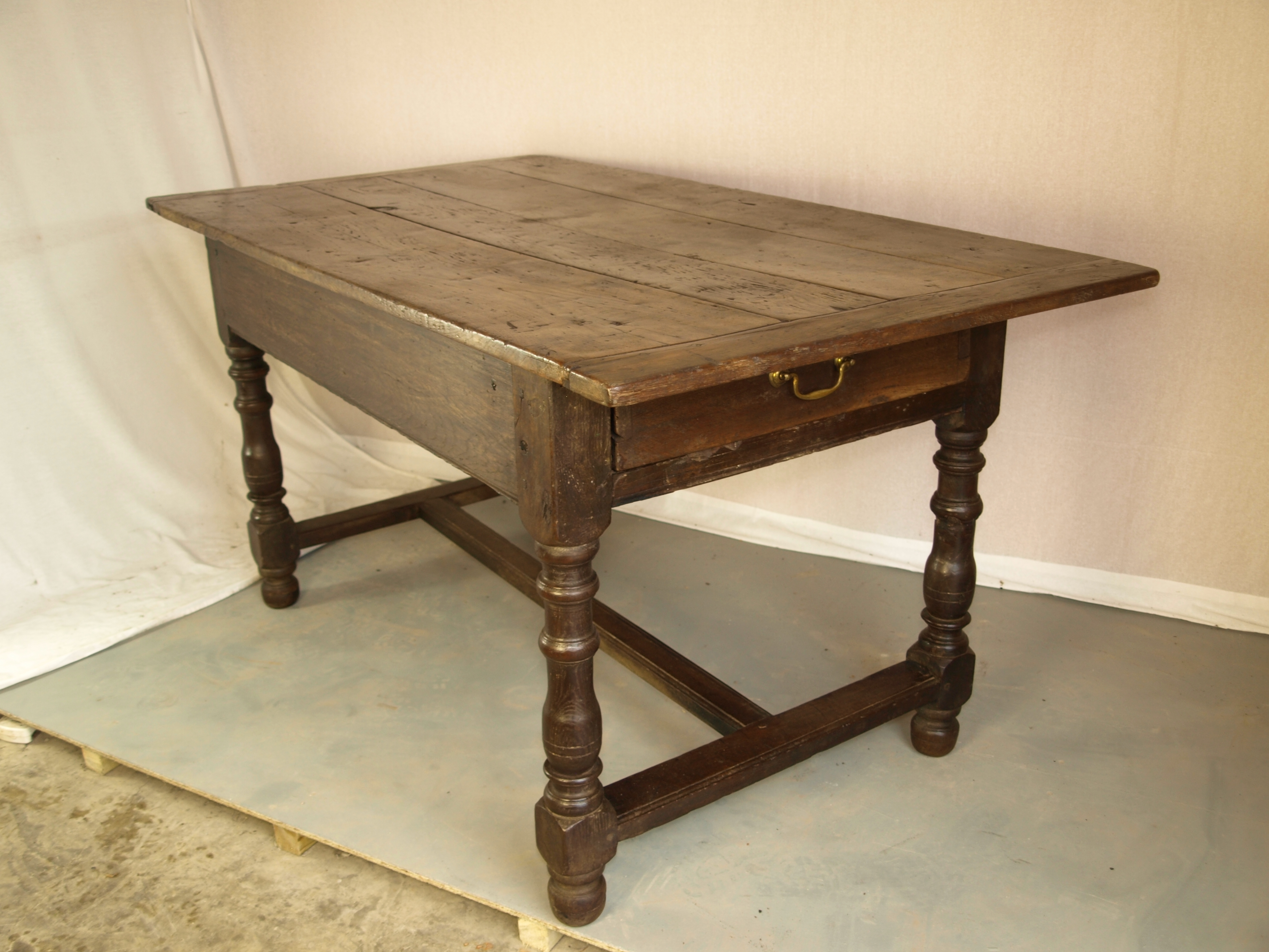 OAK DIINING TABLE
