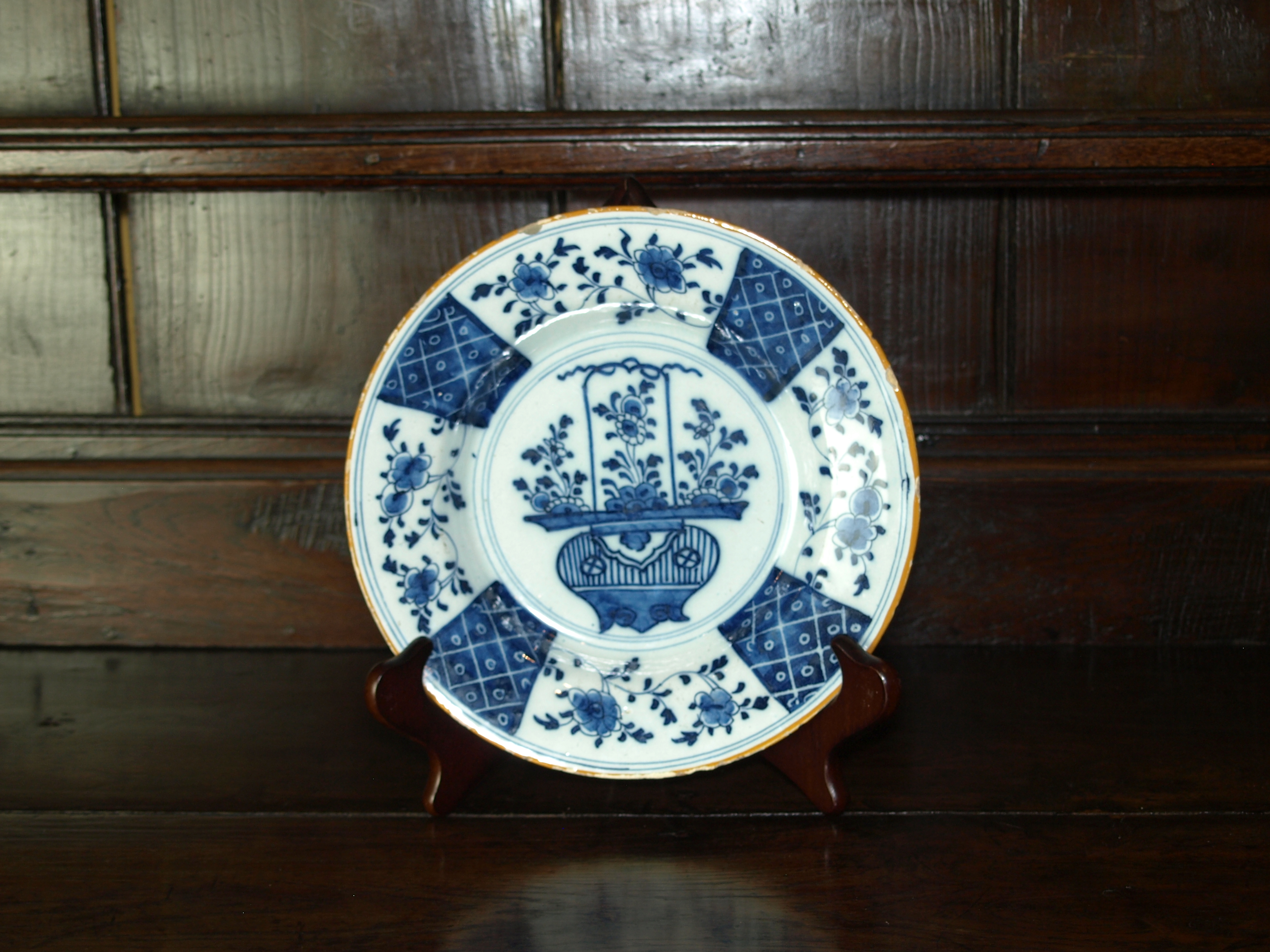 DELFT BLUE AND WHITE PLATE