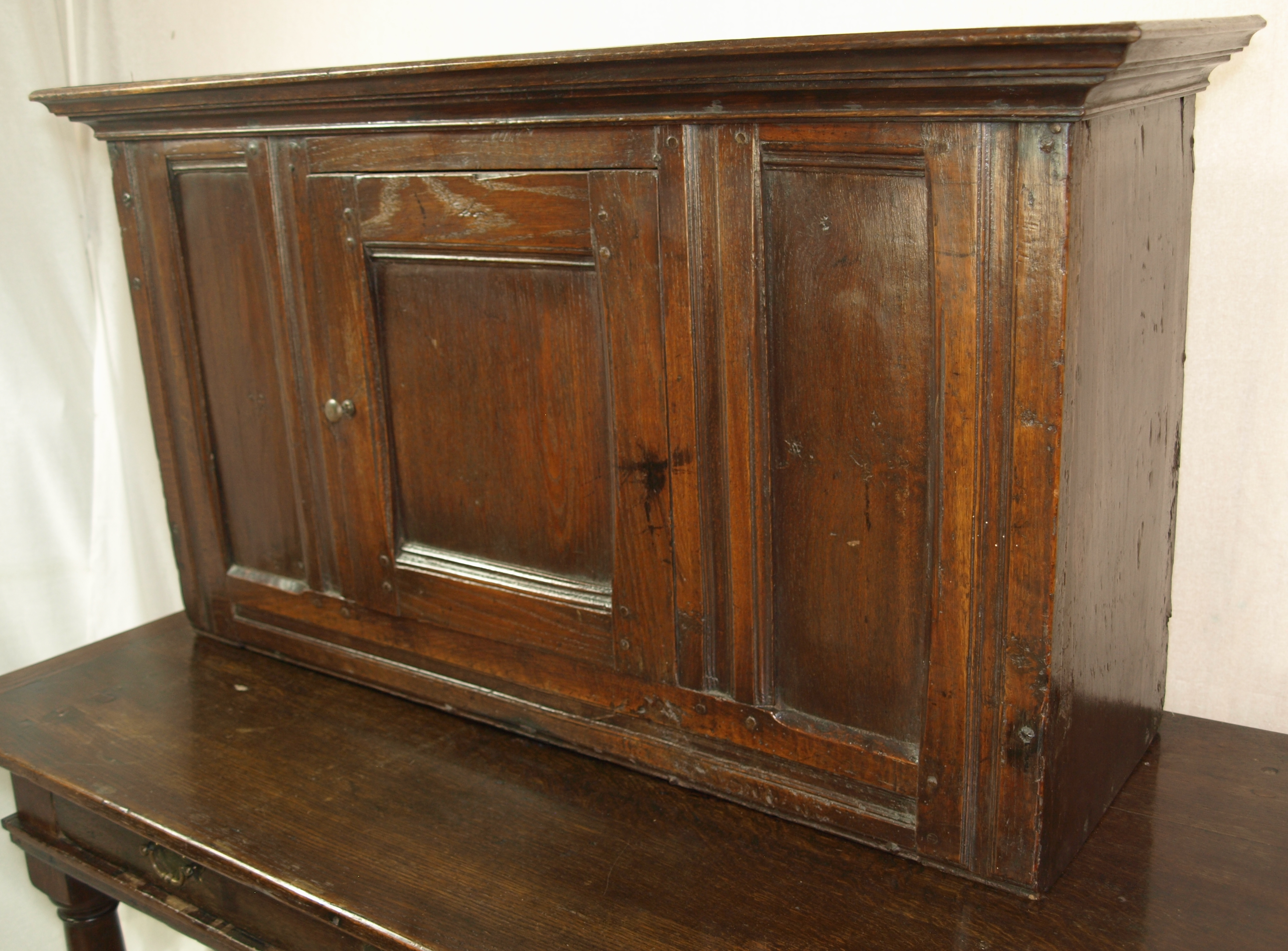 OAK WALL CUPBOARD
