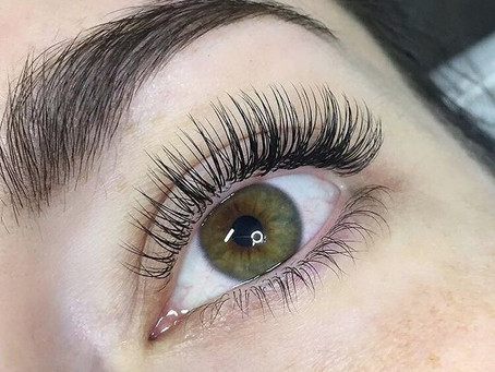 What's the difference between Classic, Russian and Hybrid Eyelash Extensions?