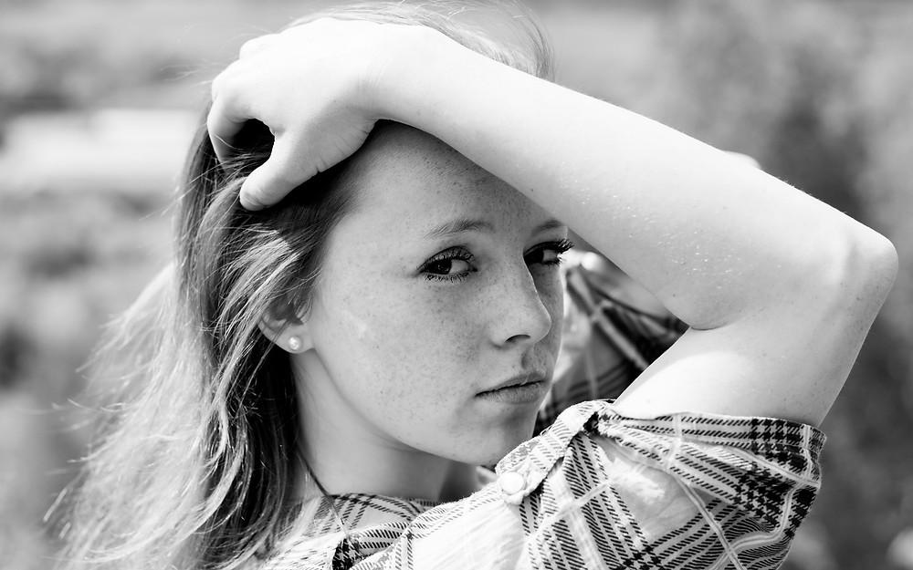 photographe de portrait varangeville pose femme glamour beaute