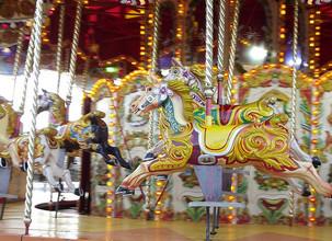 Kurssikynä: Elämän sirkuskaruselli