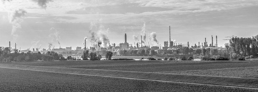 industry-3068200_1920.jpg