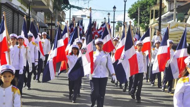 ¡Celebran en Santiago el Día de la Constitución!