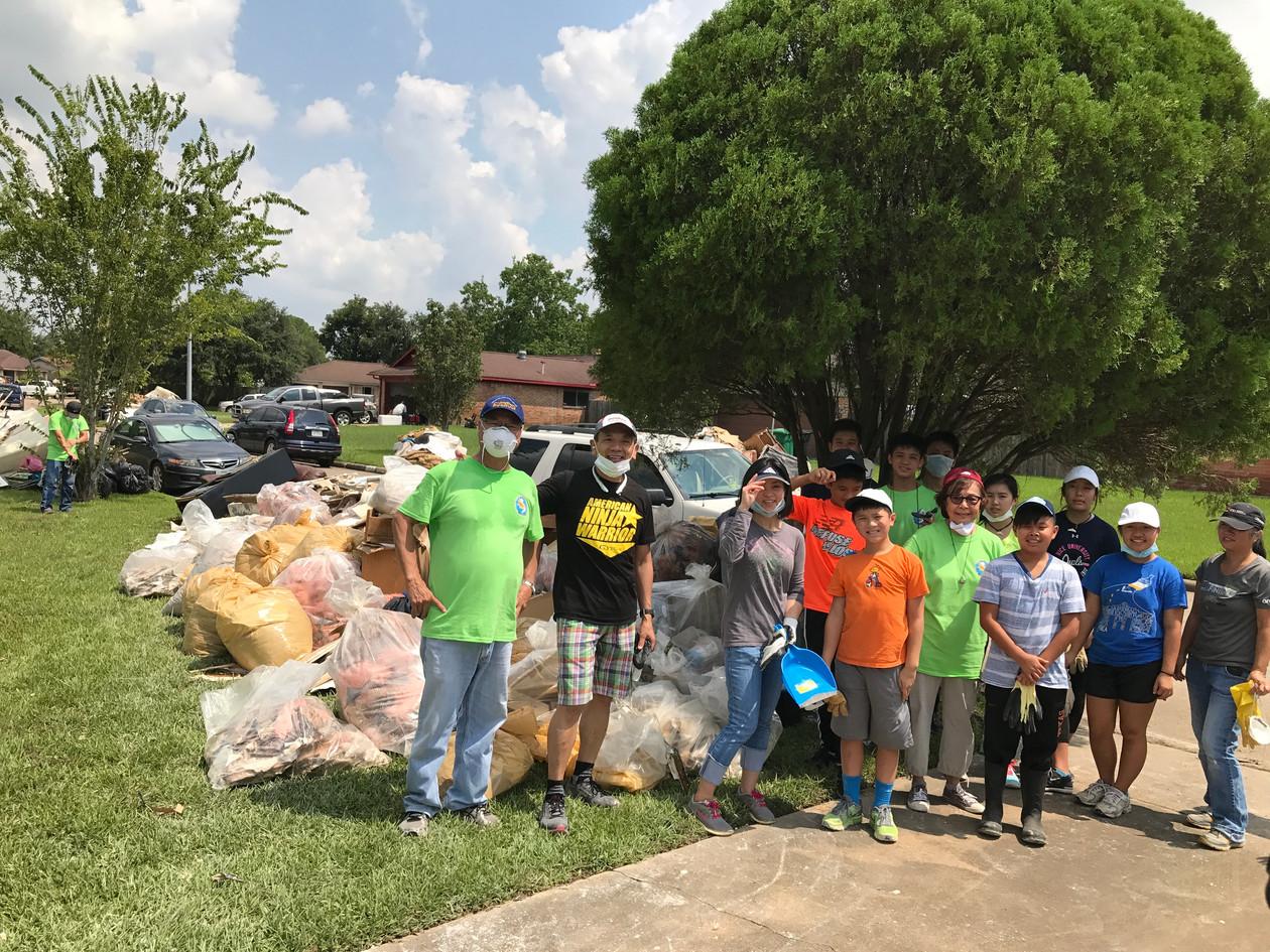 Our fantastic clean up volunteers