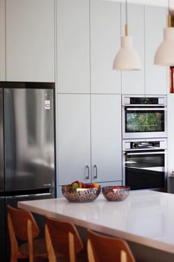 Modern Kitchen- N Willoughby