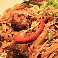 Beef Finger Meat stir fried cut noodles