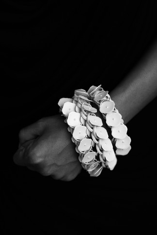 Bracelet – milk taps – Photo rights Cherry Boonyapan