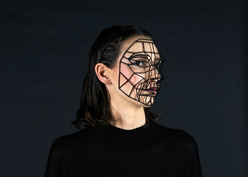 Mask - 3d printed mask, nylon - 17 x 13 cm -  Photo rights Lukas Wenninger
