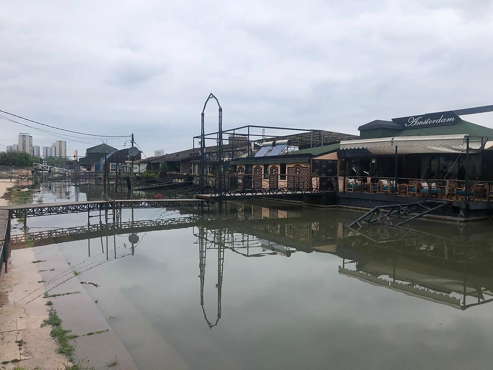 Restavracija Amsterdam na splavu