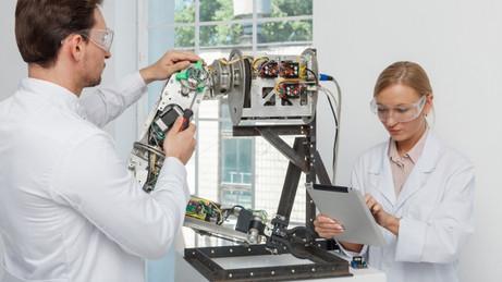 ロボット活用の最新事情