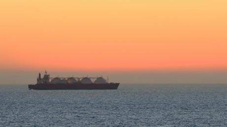 国際海運に脱炭素で新ルール