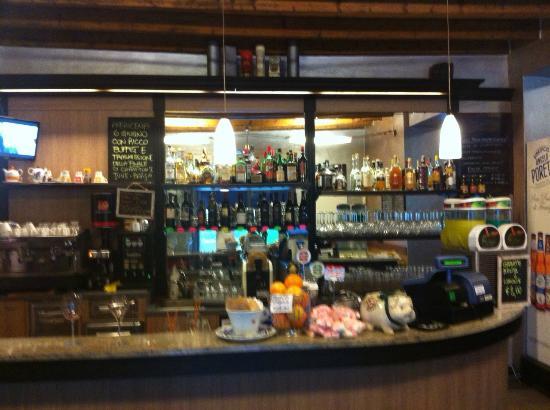 caffe-80-wine-bar (3)