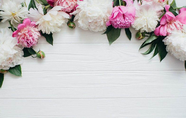 wood-pink-white-flowers-peonies-piony-ts