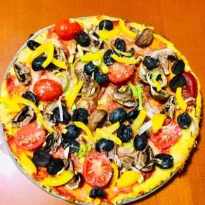 Karfiolová pizza (paleo)