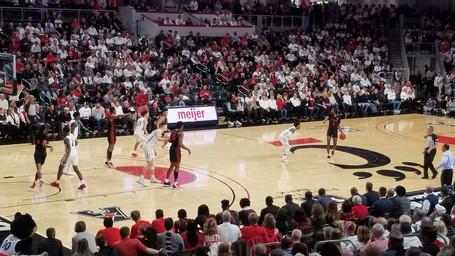 UC Wins Nailbiter Over Houston Cougars 64-62