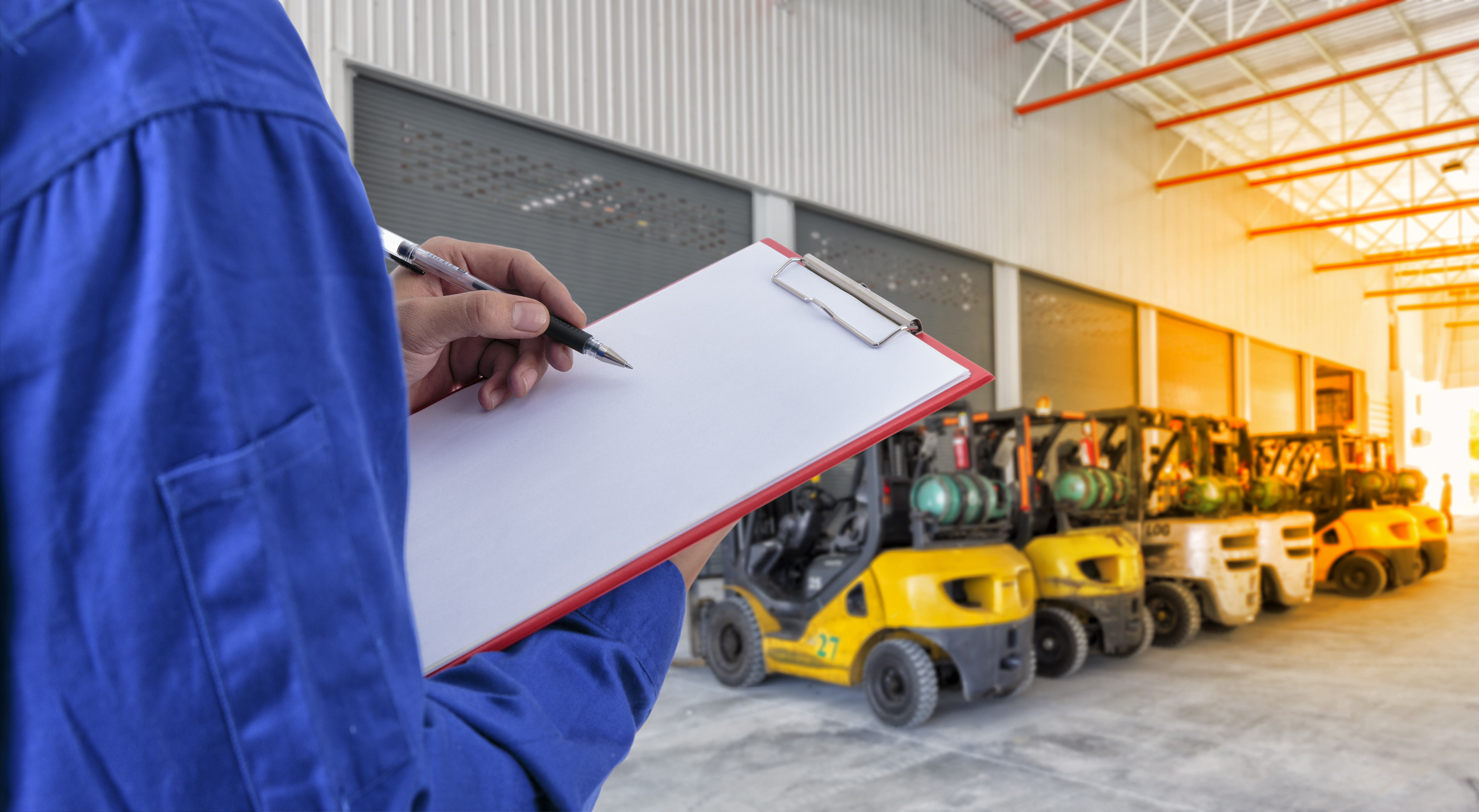 technician Check list forklift at warehouse