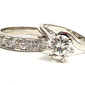 Jewellery Commission. Diamond bespoke rings. Made for you.