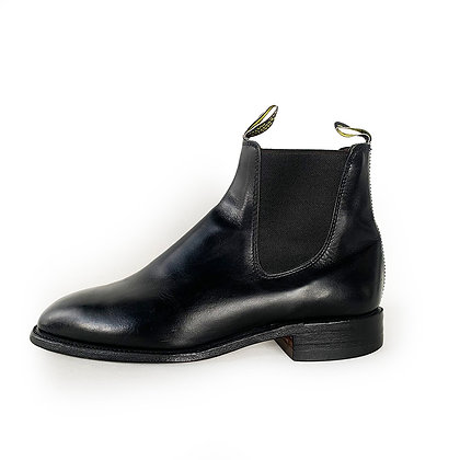 R.M. WILLIAMS BLACK LEATHER CHELSEA BOOTS