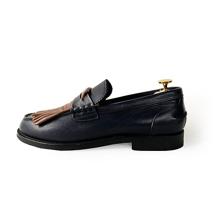 BURBERRY BEDMOORE CHUNKY FRINGE BLUE LEATHER LOAFERS size 9