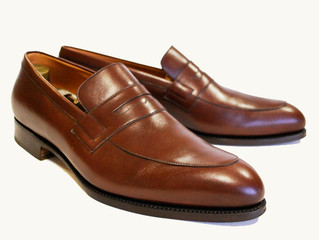 Q: I have been thinking about purchasing a nice pair of shoes. Should I even worry about shoe trees?
