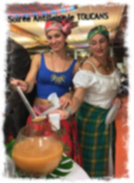 Doudoue's en costume créole pour nos soirées des Iles. Punch planteur, Pina Colada et Colombo