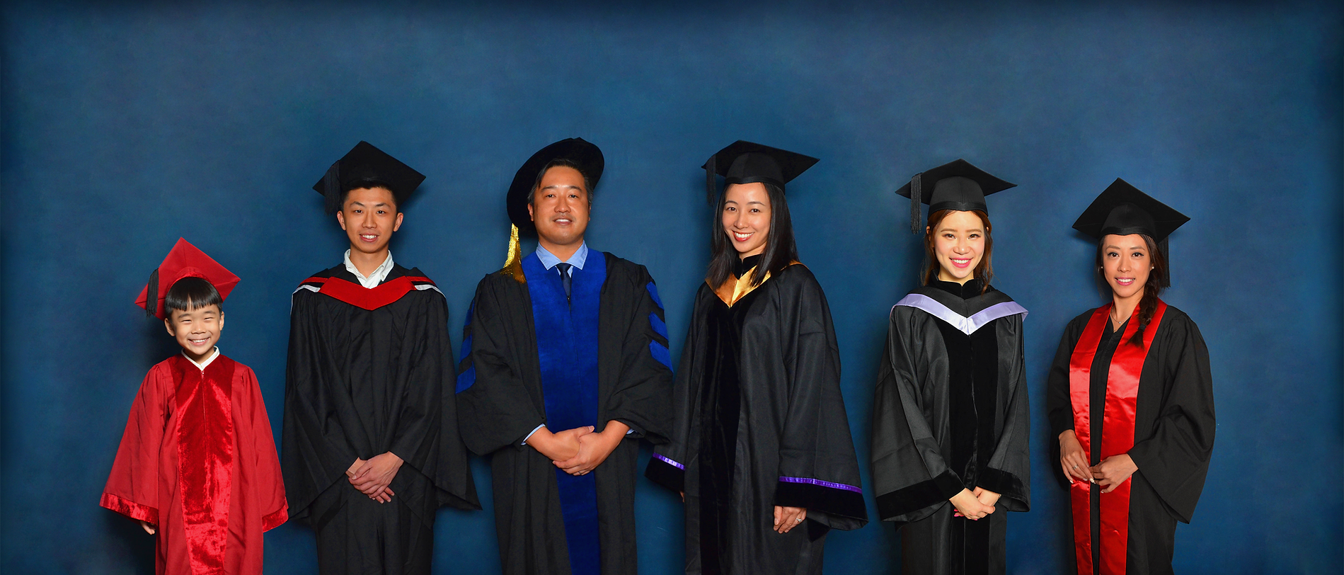 We design, produce, store, rent and sell primary, secondary, college and university graduation gowns / academic dresses in Hong Kong  設計、租借、 購買香港小學畢業袍、中學畢業袍、 大學畢業袍 | 畢業袍一條龍服務 學士袍、 碩士袍、 博士袍