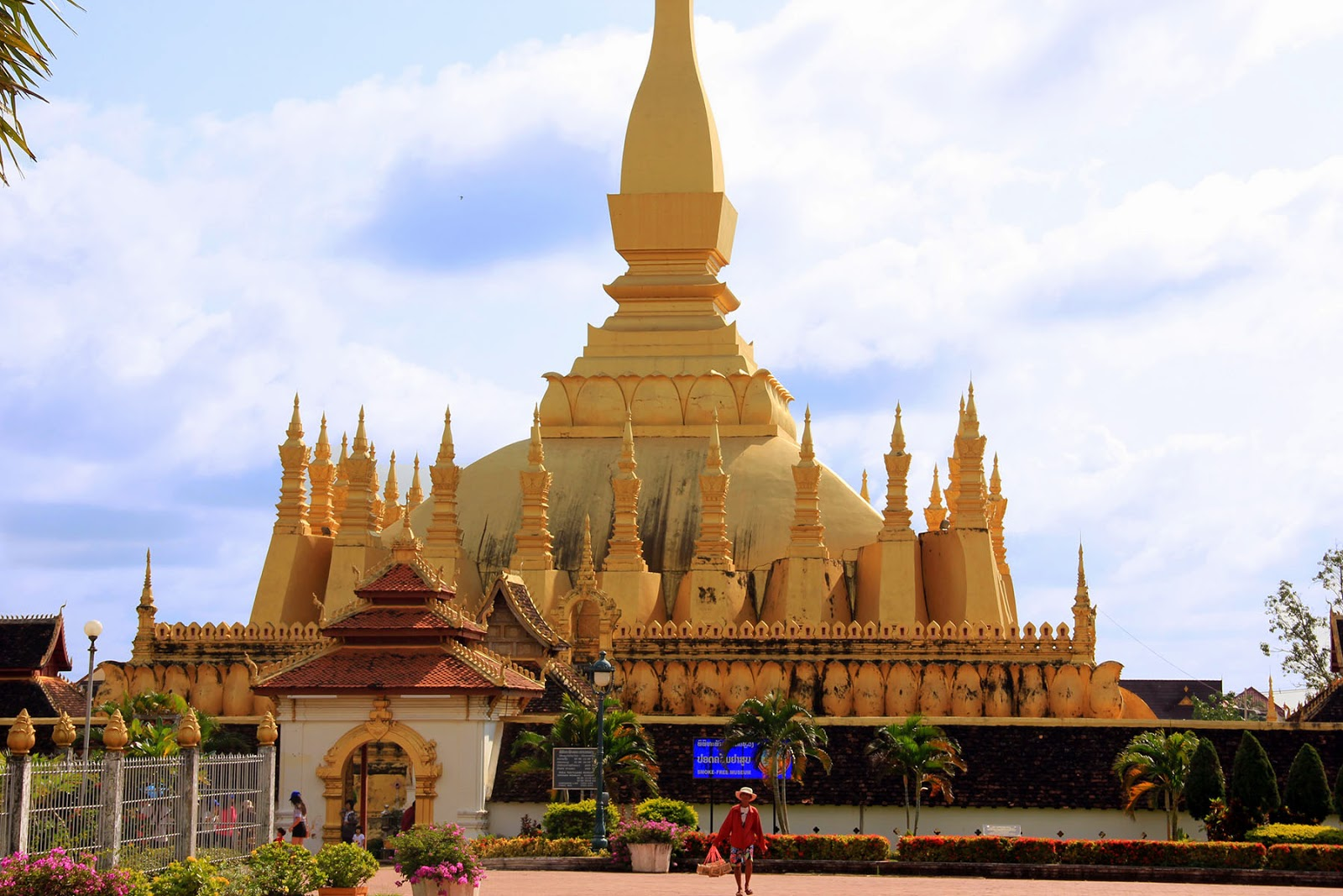 Temple Pha That Luang - Vientiane