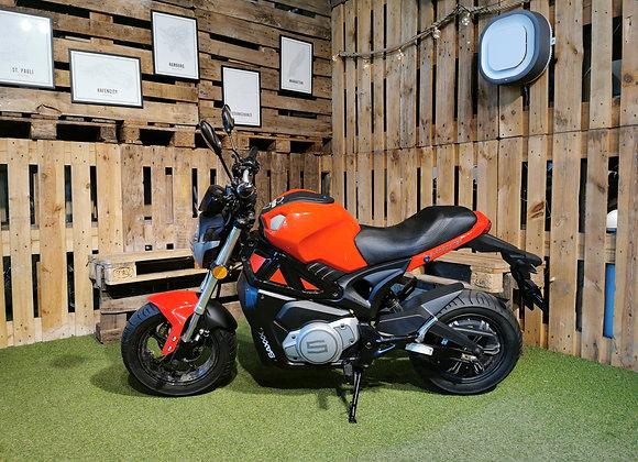 SAXXX E-Roadster V1