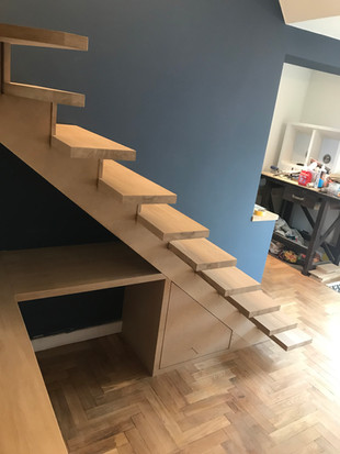PAUL LANCASTER CARPENTRY CUSTOM BUILT OAK STAIRCASE