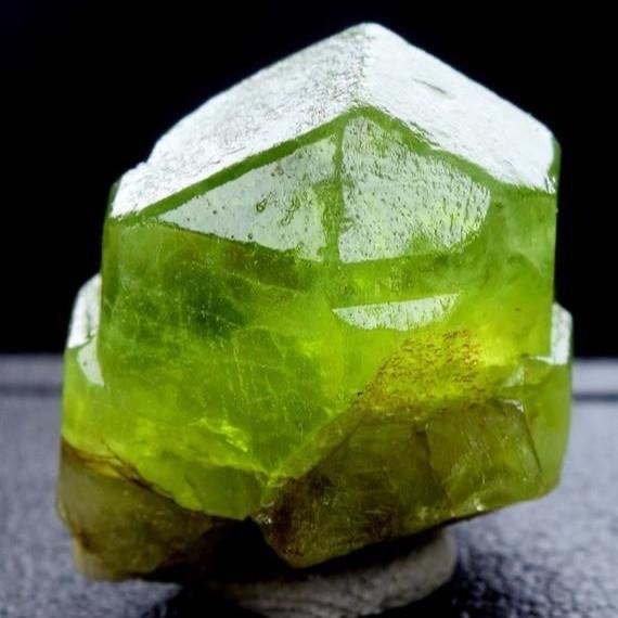 rough peridot crystal