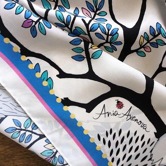 """Design Textile / Création de foulard de soie """"Le Renard d'Argent"""" pour """"Ania Axenova – Paris"""" / signature"""