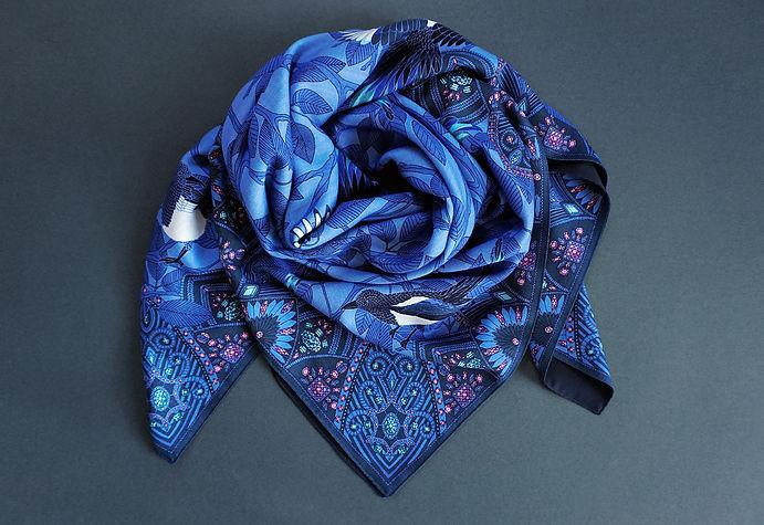 """Design de grand châle en laine """"Chasseuses de trésors"""" pour """"Ania Axenova – Paris"""""""