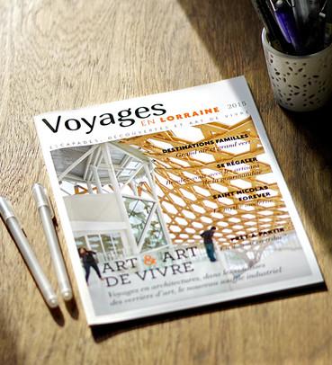 """Direction artistique et mise en page du magazine """"Voyages en Lorraine"""" 2015"""