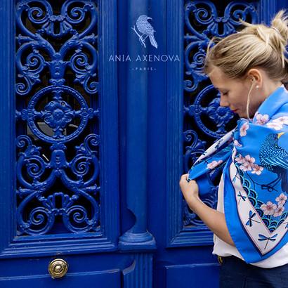 """Direction artistique et shooting photo a Paris – Foulard de soie """"Bluebirds Party"""" pour """"Ania Axenova – Paris"""""""