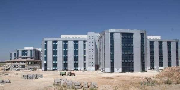 Şanlıurfa_Harran_Üniversitesi_600_Yataklı_Araştırma_ve_Uygulama_Hastanesi.jpg