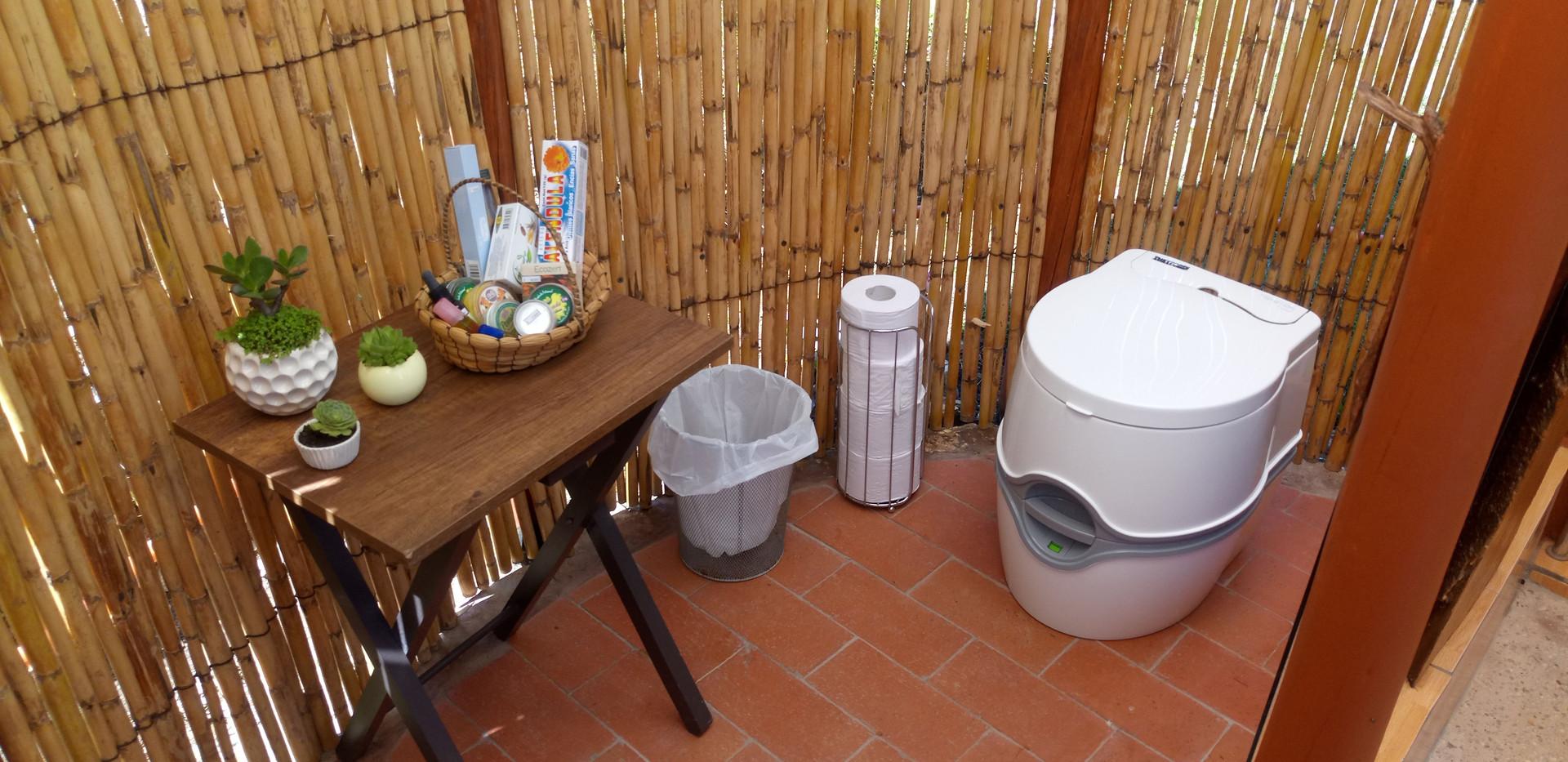portable toilet_glamping_finca_corazon.JPG