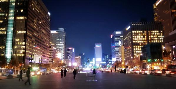 Night at Gwanghwamun Plaza