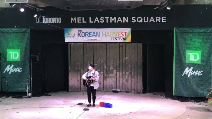 A big applause to the winner of Masked Singer Competition!!!! #toronto #torontofood #torontofestival #torontofestivals #thingstodointoronto #torontosummer #koreanfood #koreanfashion #koreanmusic #koreanmakeup #koreanculture #koreanharvestfestival #ko