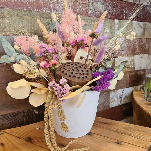 """Riley"" Dried floral arrangement"