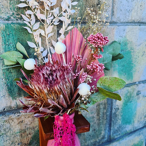 """Ayesha"" Dried floral arrangement"