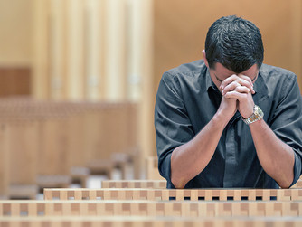 WHAT ARE THE SIGNS OF A VOCATION TO THE PRIESTHOOD?