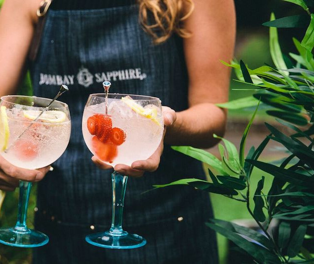 gin-on-the-lawn-1.jpg