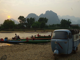 Sur les routes laotiennes.. La région de Vang Vieng